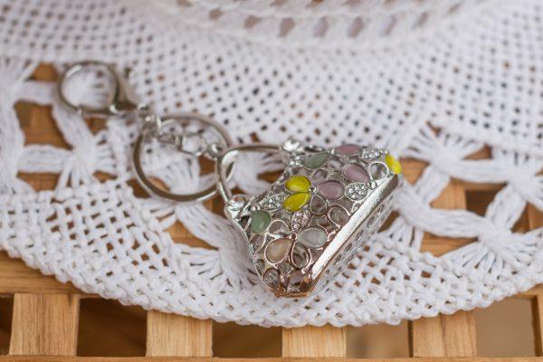 Breloczek-torebka z kryształkami