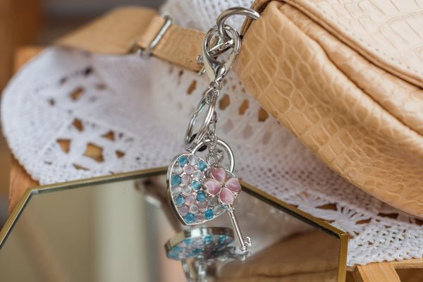 Breloczek-serce turkusowo różowe kryształki